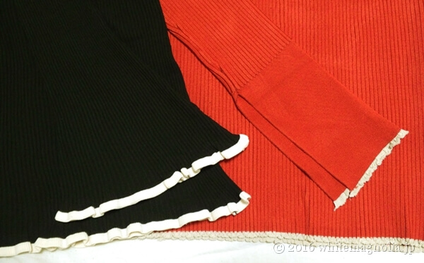 ZARAトランペットスリーブセーター(ブラック)とZARAリブセーター(レッド)の袖口