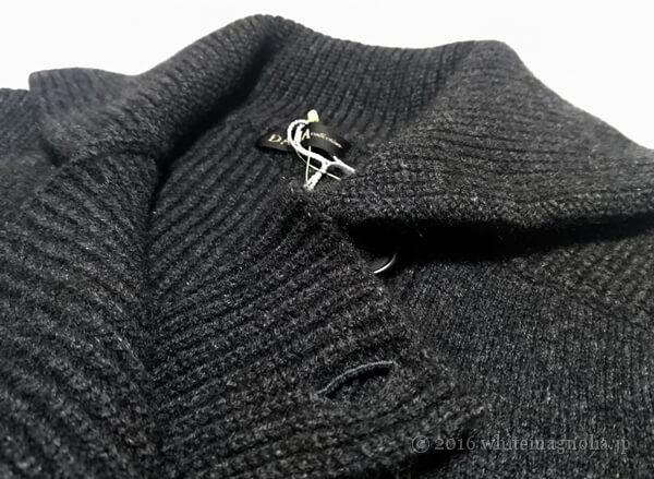 ディノスのカシミヤダブルブレストニットコート(襟周り)