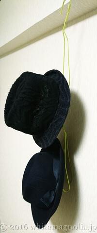 100均の針金ハンガーで作った帽子ハンガーを連結した所