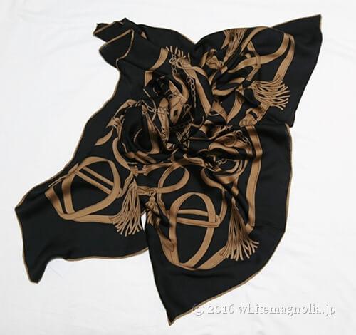 dinosシルクサテンシフォン ベルト柄 スカーフ