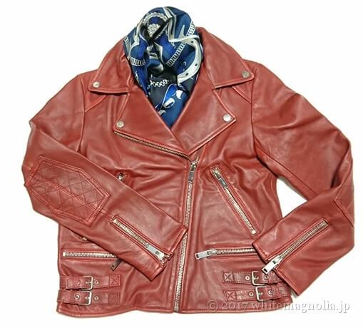 dinos シルクツイルスカーフ(2017AW・赤いレザージャケットとのコーデ)