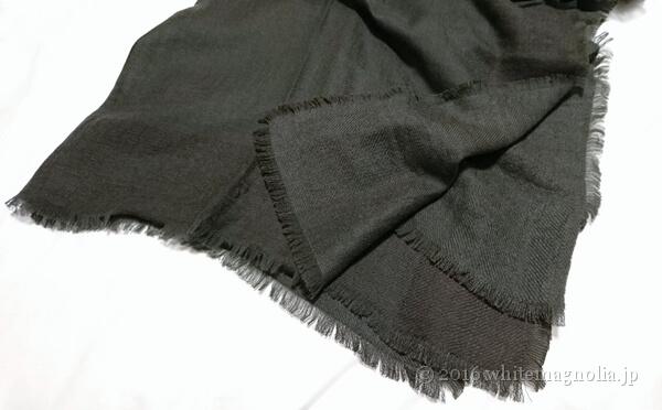 dinos 梳毛カシミヤ 二重使い 配色大判ストール(縁の処理)