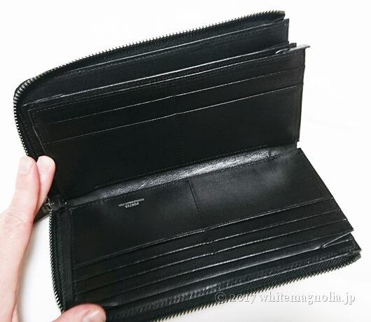 PORTERの長財布(PLUME WALLET 179-03866)はL字ファスナーで大きく開くタイプの財布です。